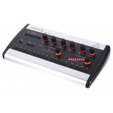 Behringer 16 P16-M Powerplay