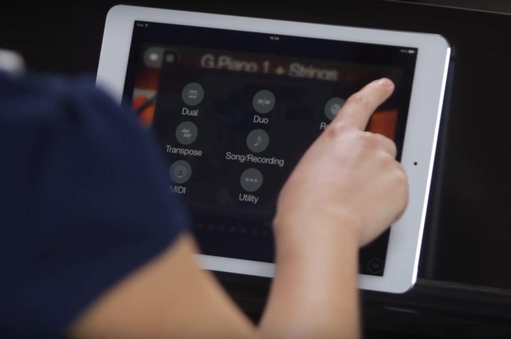 iPad conectado a piano digital Yamaha YDP