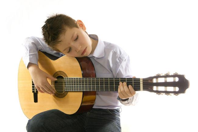 Guitarra clásica 3 niño